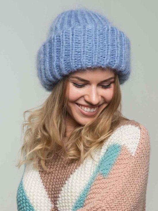 женская вязаная шапка из мохера