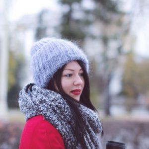 Вязаная шапка из мохера, купить шапку из мохера в Москве