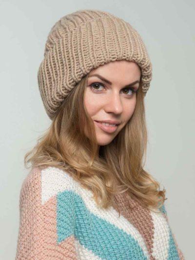 шапка-бини бежевого цвета