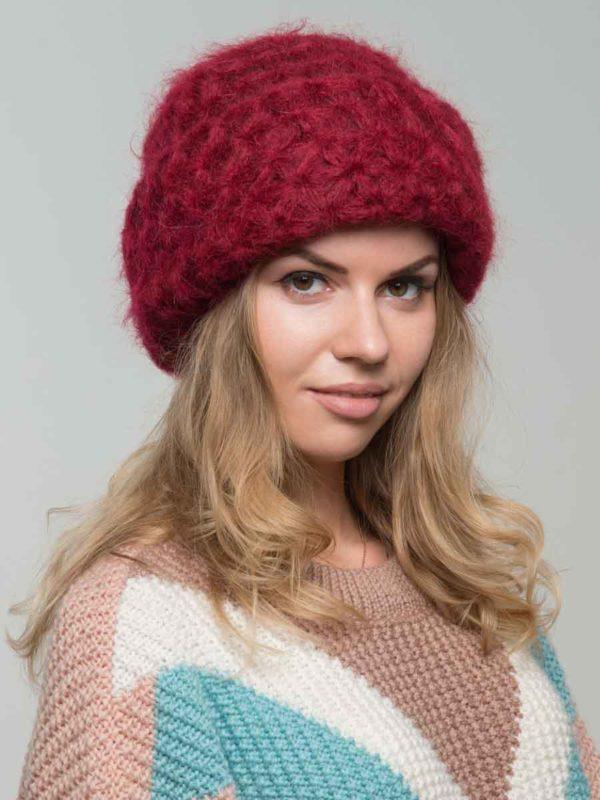 модная вязаная шапка из мохера
