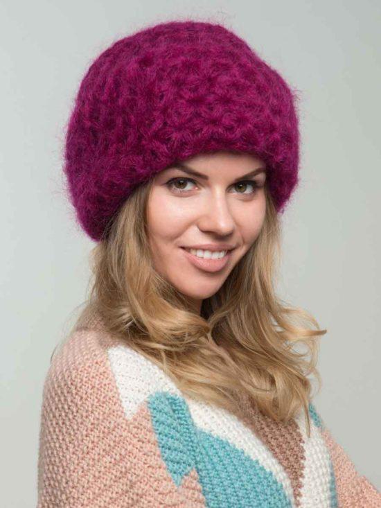 Вязаная шапка с узором цвета «Фуксия»